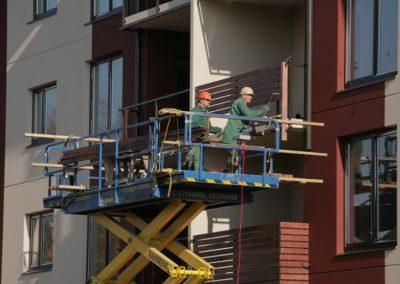8.mājas balkona margu piestiprināšana, 2008.gada oktobris